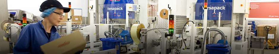 End of line packing with Versapack (integrated case packer and case erector)